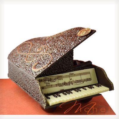 9a107adea42 Piano noir garni chocolats assortis - 600g. Trop fragile à expédier. A  récupérer au magasin.
